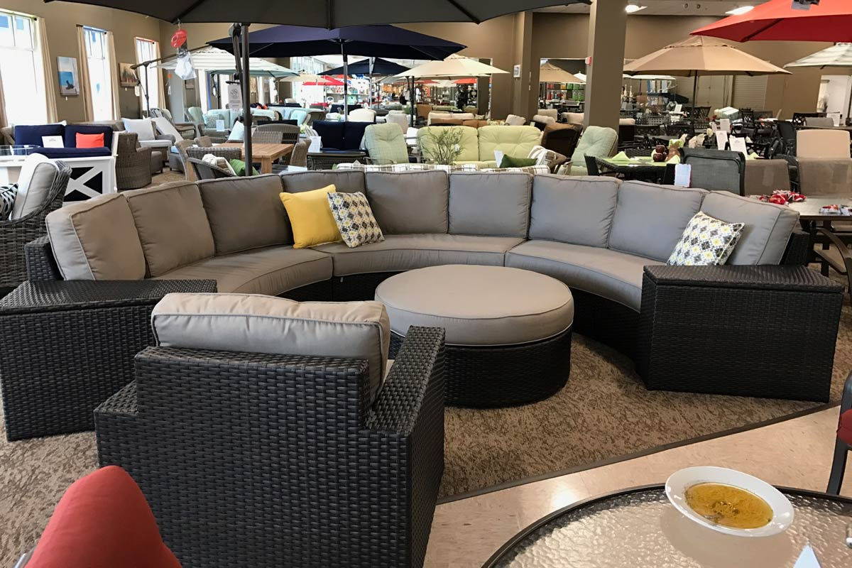 patio renaissance del mar crescent sectional seasonal specialty stores foxboro natick ma. Black Bedroom Furniture Sets. Home Design Ideas