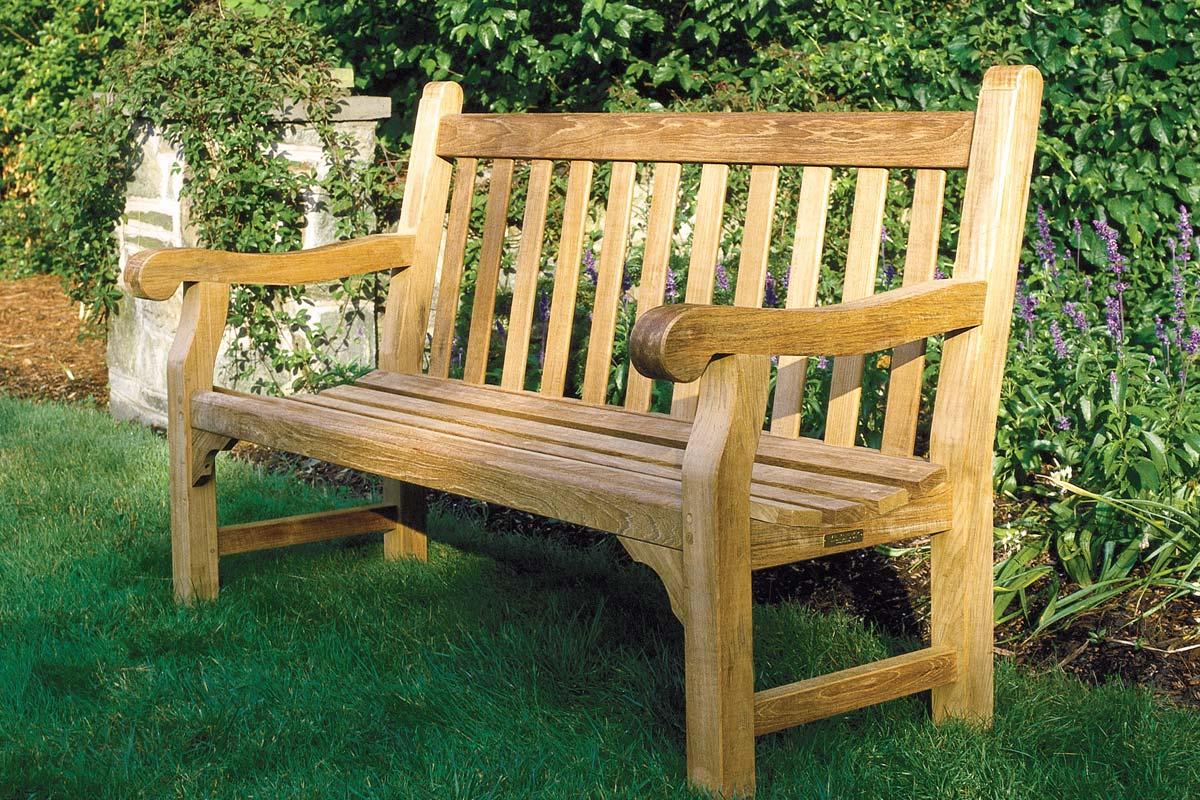 Hyde Park Seating - Kingsley Bate Hyde Park Seating - Seasonal Specialty Stores, Foxboro